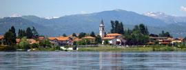 Lago di Monate, zwemmen in een helder bergmeer