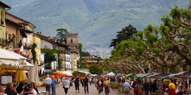 Markten bij Lago Maggiore op dinsdag