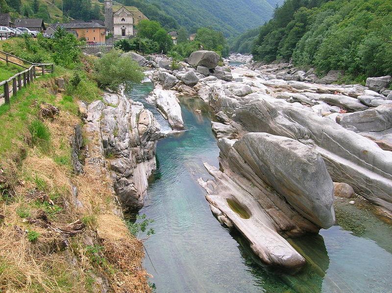 Lagomaggiore_natuur-Val-Verzascak.jpg