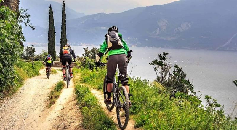 Lagomaggiore_sport-mountainbile-g.jpg